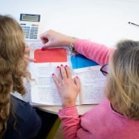 Dyslexia girl using Easy Read
