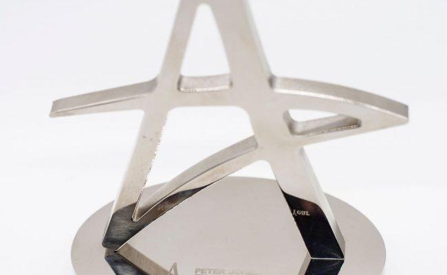 Tasha Bates winning National Entrepreneur of the Year